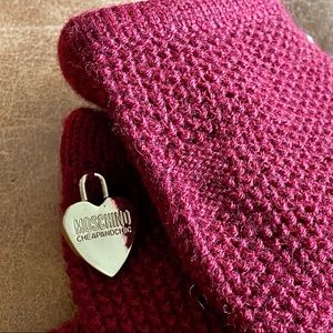 Moschino Cheap and Chic Burgundy Knit Gloves NWOT